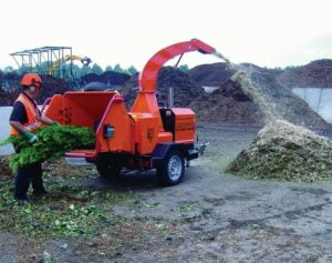 Timberwolf S426TDHB Shredder Processing Green Waste